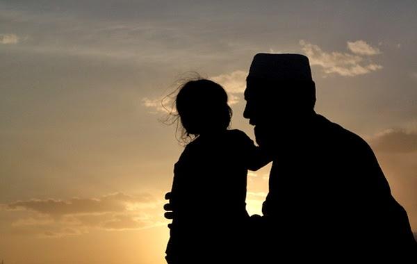 Peringatan Hari Ayah 12 November Sebelum Datangnya Hari Ibu 22 Desember