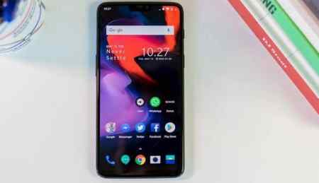 Desain OnePlus 6 Red Editions