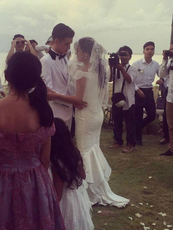 Gaun Pernikahan Celine Evangelista Jadi Sorotan Di Sosial Media