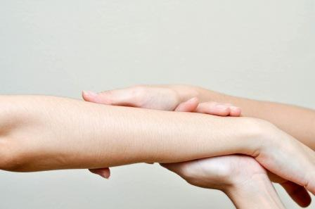 Cara Memutihkan Tangan Yang Mudah Dilakukan