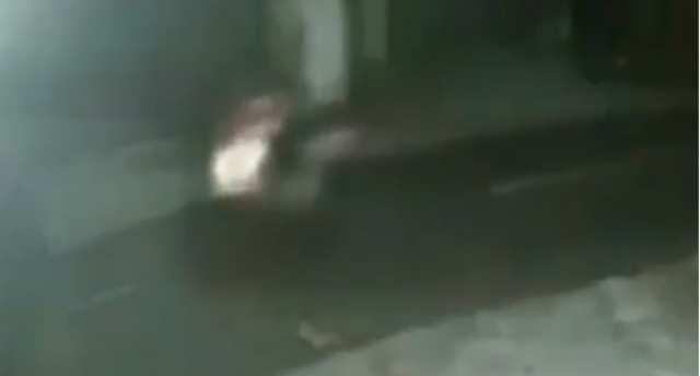 Heboh Video Orang Naik Motor Bonceng Pocong