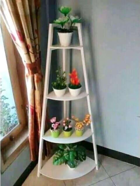 Model Rak Bunga Kayu Bertingkat Untuk Sudut Ruang