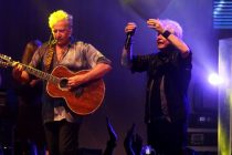 Air Supply Batal Konser di Indonesia Sebab Kelelahan